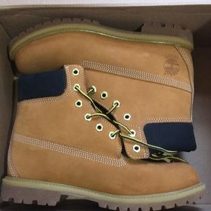 Timberland premium 6in waterproof boots size 9
